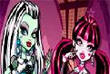 Papusile Monster High Cauta Stelute
