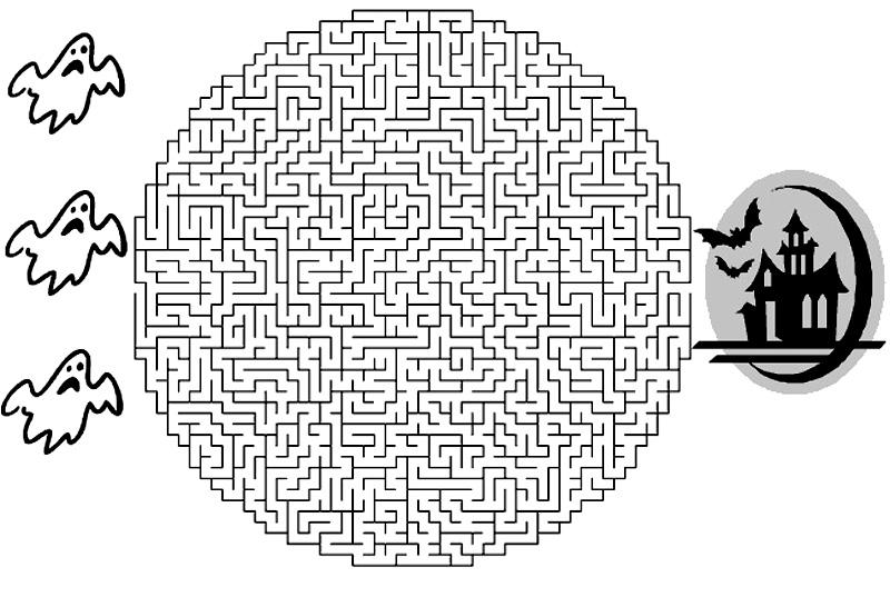 Fantome in labirint de colorat