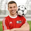 Poti fi tu cel care se antreneaza cu Podolski!