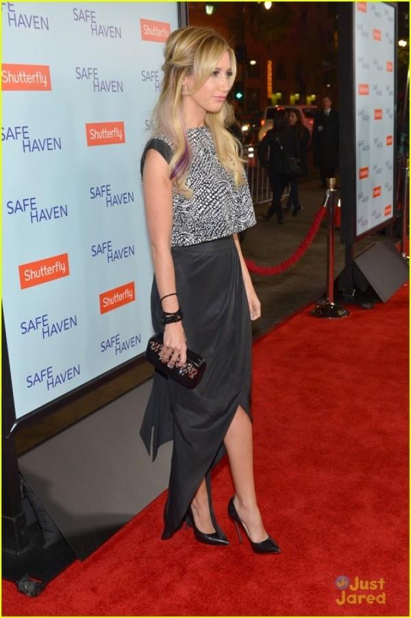 "Ashely Tisdale prezenta la premiera filmului ""Safe Heaven"""