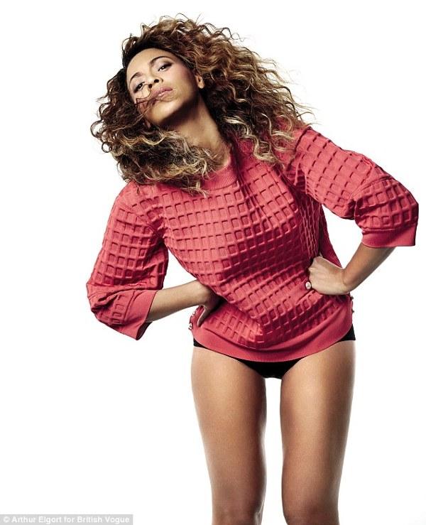 Beyonce pozeaza pentru Vogue 2013