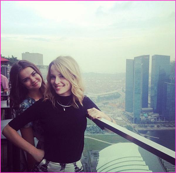 Maia si Bridgit in Singapore