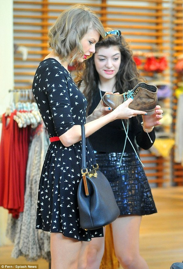 Taylor Swift si Lorde la cumparaturi