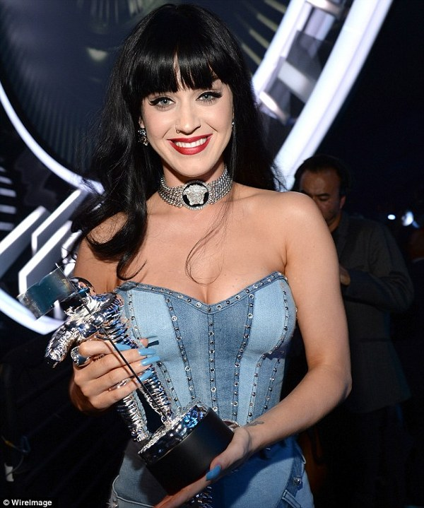 Katy Perry a fost Best Female la VMA 2014