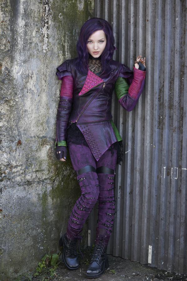Mal, fiica adolescenta a lui Maleficent