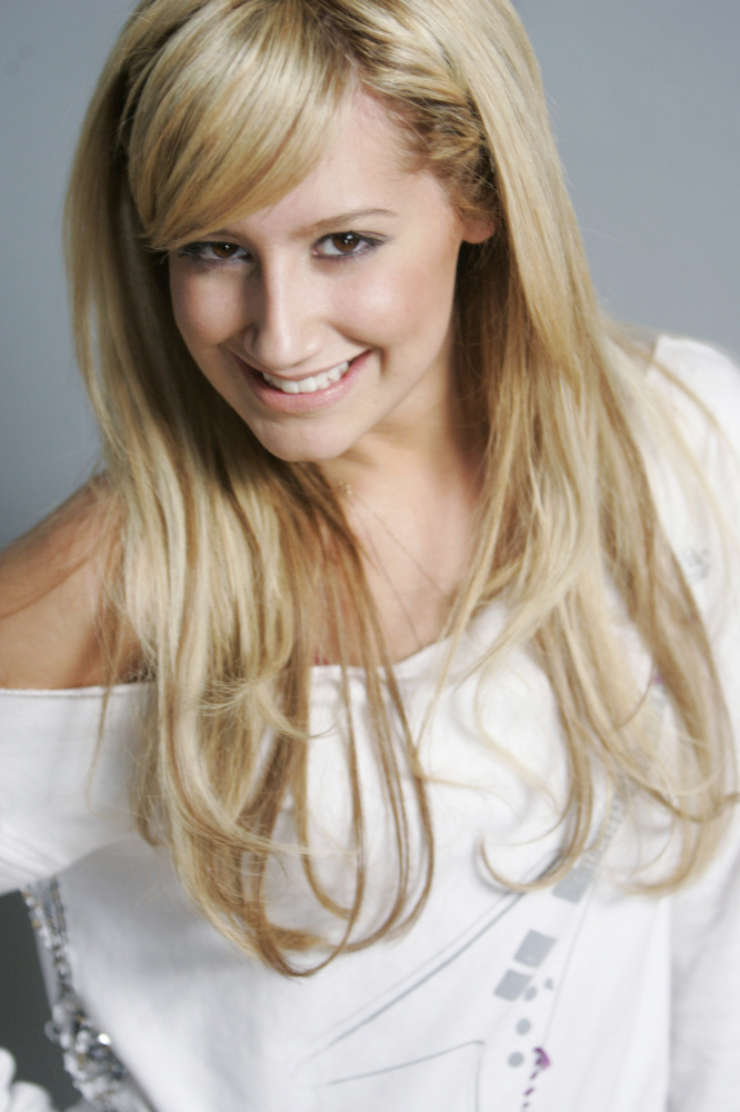 Ashley Tisdale pictorial