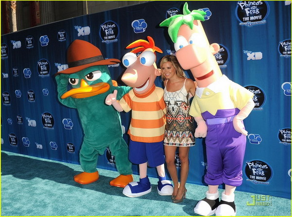 Ashley Tisdale cu Phineas si Ferb
