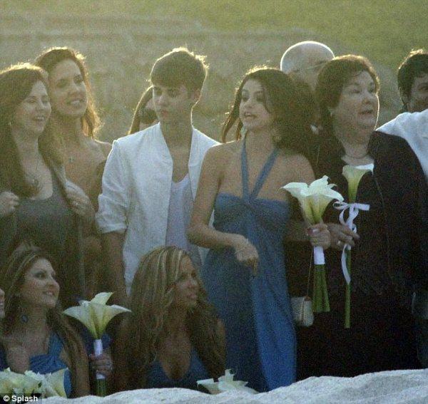 Selena Gomez si Justin Bieber, nuntasi