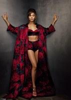 Beyonce pozeaza pentru revista Vogue