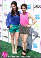 Laura si Vanessa Marano