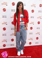 Zendaya s-a costumat in Aaliyah de Halloween