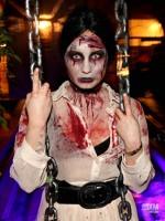 Demi Lovato s-a costumat in zombie de Halloween