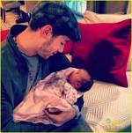 Nick Jonas si nepotica lui