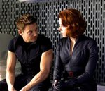 Scarlett Johansson si Jeremy Renner
