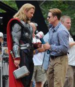 Chris Hemsworth si Chris Evans