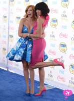 Bella Thorne si Zendaya la premiile Teen Choice 2014