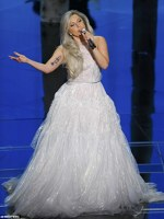 Lady Gaga pe scena la Oscars 2015