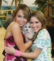 Emily Osment si Milley Cyrus