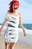 Hayley Williams pe plaja