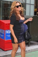 Beyonce zambeste ca o mama