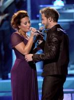 Demi Lovato in duet cu Pablo Alboran