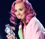 Katy Perry marea castigatoare la premiile MTV VMA 2011