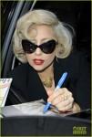 Lady Gaga lanseaza o linie de periute de dinti muzicale