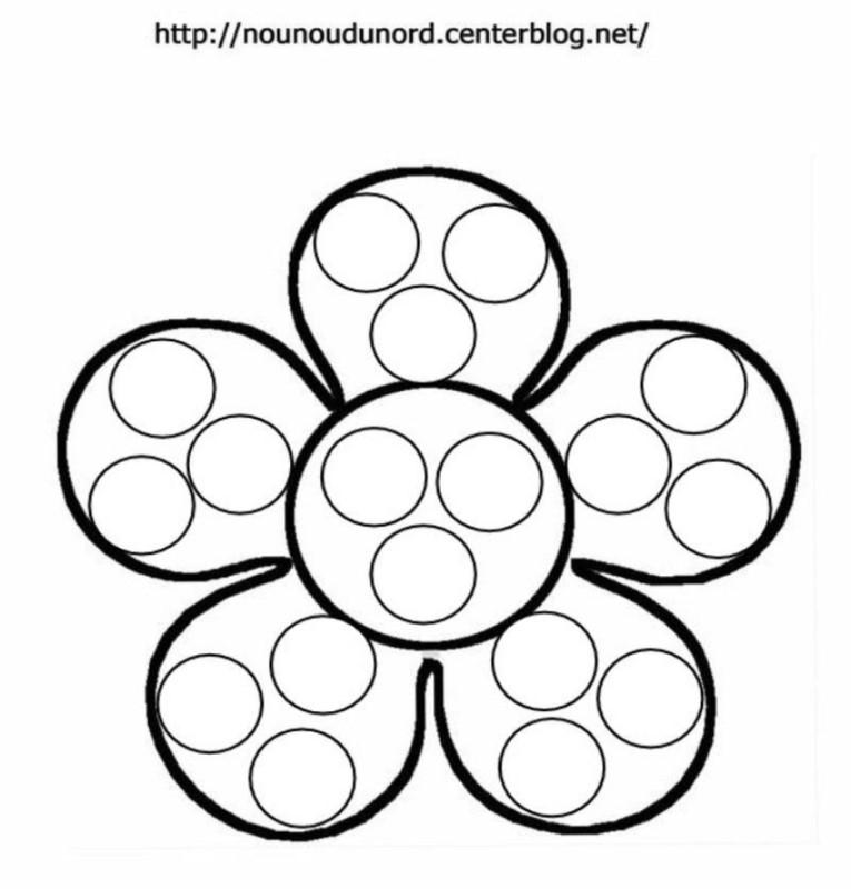 Dot-a-dot in floare