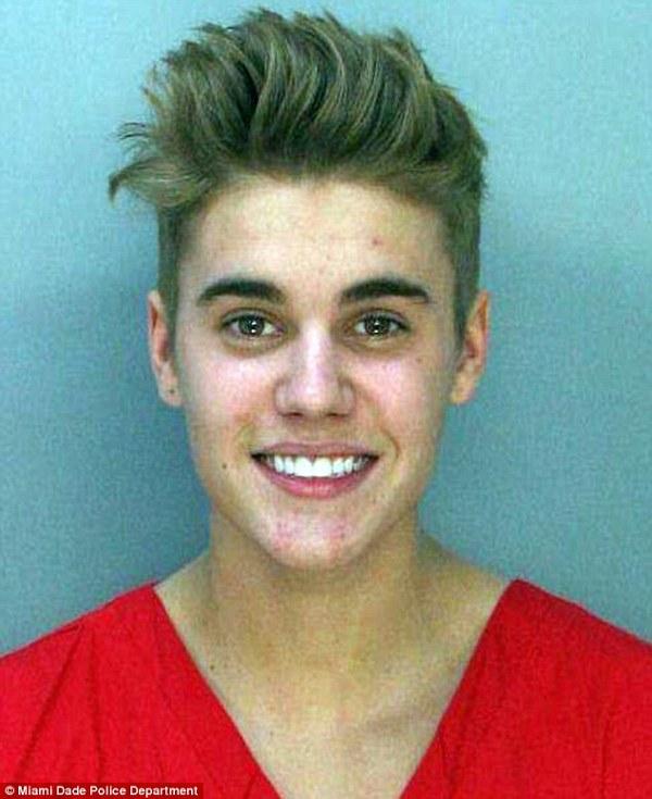 Justin Bieber a fost arestat!
