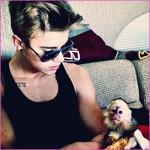 Justin Bieber si-a luat maimuta