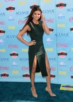 Selena Gomez a castigat 2 premii la Teen Choice 2013