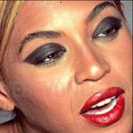 Beyonce intr-o poza nemodificata in Photoshop