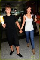 Justin Bieber si Selena Gomez la plimbare prin Mall